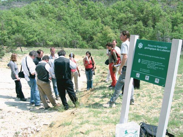 Cécile Birard - Sensibilisation des visiteurs de la réserve naturelle géologique du Lubéron